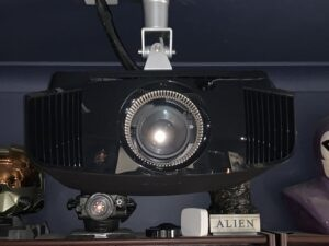 Sony4K vw570es projektor-mennyezeten